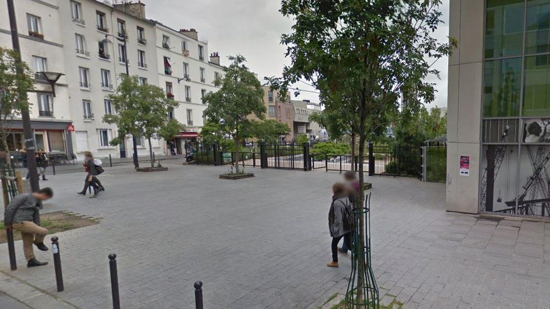 Des hommes à Avignon prothesiste