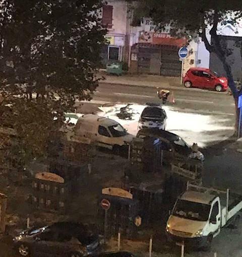 Rencontre à Toulon en voiture rempli